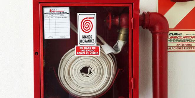Mantenimiento de hidrantes (boca de incendio)